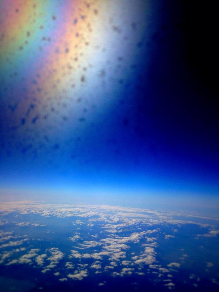 『空の上は神様の領域』  撮影:M.Kobayashi